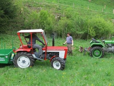 2014-04-27--Harald-Holzarbeit-Traktor--02