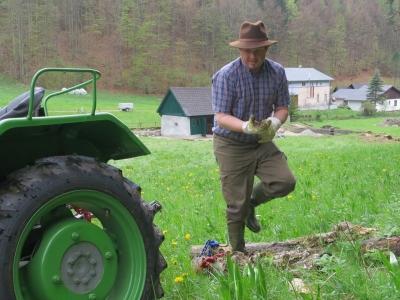 2014-04-27--Harald-Holzarbeit-Traktor--06