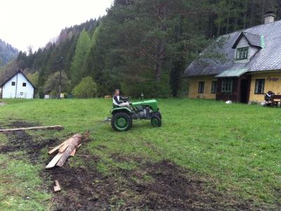 2014-04-27--Harald-Holzarbeit-Traktor--20